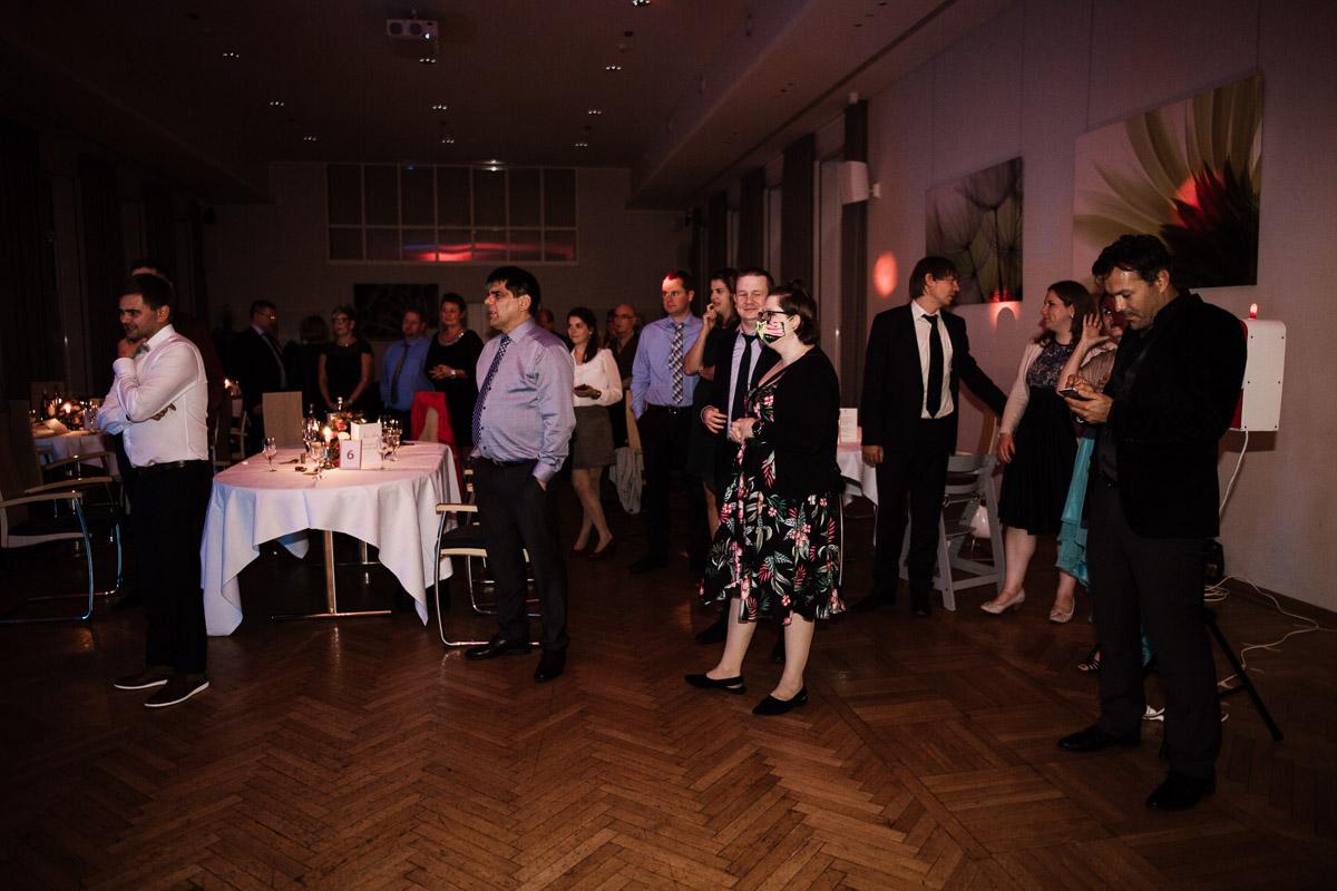 Hochzeitsfotograf-Hameln-Hochzeitsfotografie-Bad-Muender-Springe-Bielefeld-Hannover-Weserbergland-57 Annika & Julius - Corona Herbsthochzeit im Weserbergland Hochzeitreportage