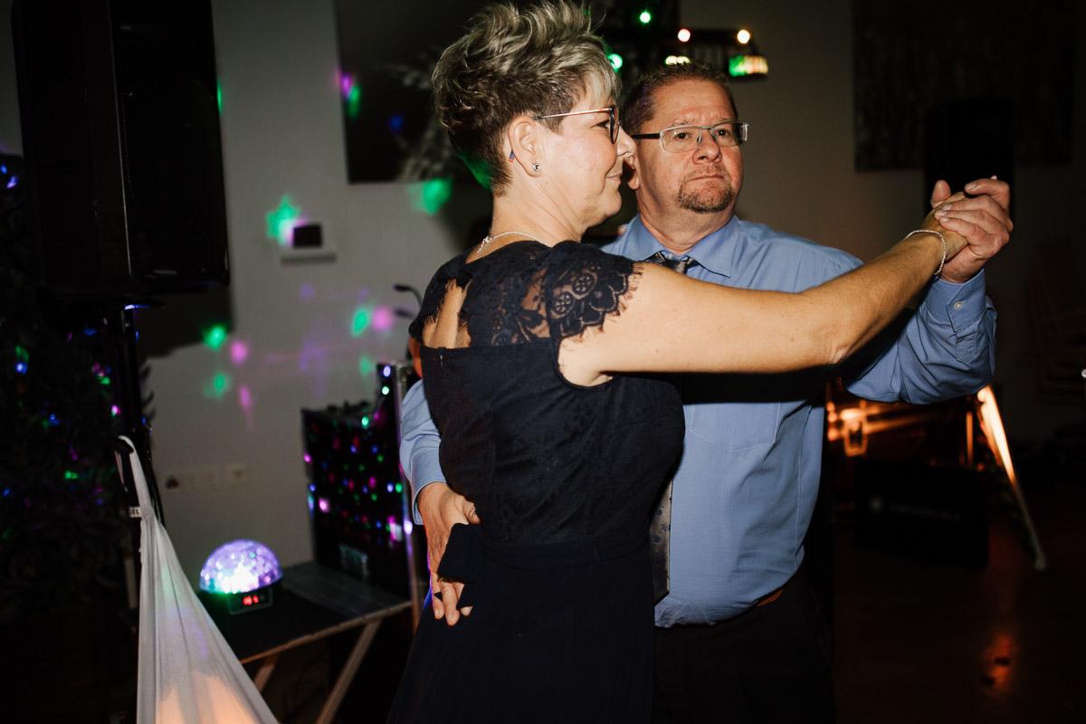 Hochzeitsfotograf-Hameln-Hochzeitsfotografie-Bad-Muender-Springe-Bielefeld-Hannover-Weserbergland-61 Annika & Julius - Corona Herbsthochzeit im Weserbergland Hochzeitreportage